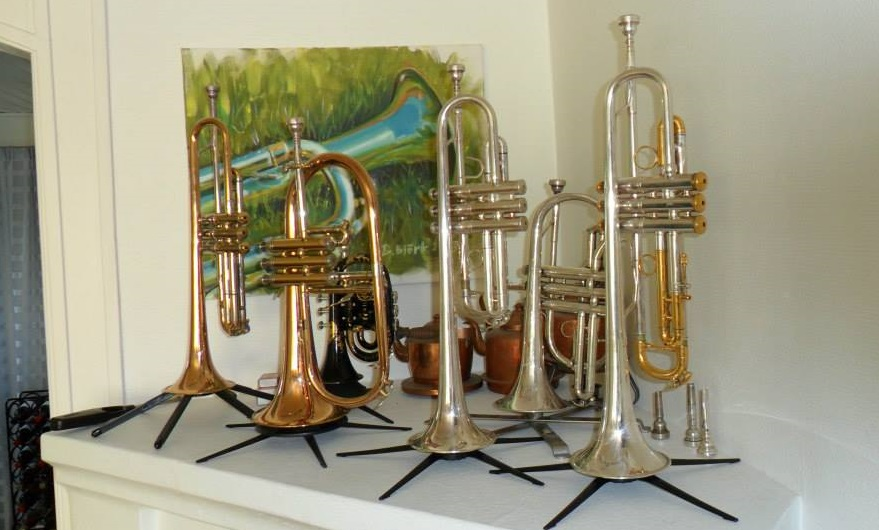 trumpet stands